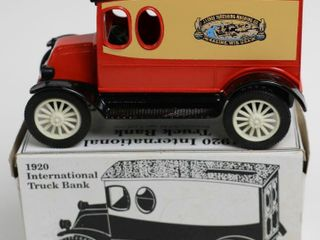 CASE 1920 INTERNATIONAl TRUCK BANK