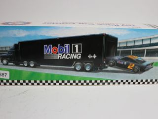 MOBIlE 1 RACING TRUCK AND CAR TRAIlER 15