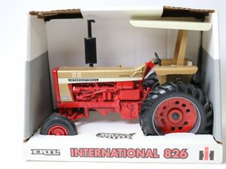 INTERNATIONAl 826 GOlD DEMONSTRATOR TRACTOR 1996