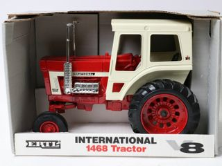 INTERNATIONAl 1468 V8 TRACTOR 1993 1 OF 4 ERTl