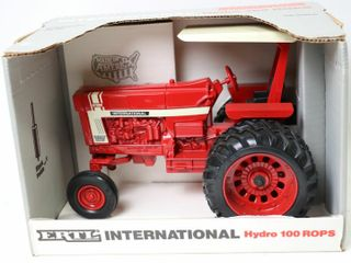 INTERNATIONAl 100 HYDRO TRACTOR WITH DUAlS 1991