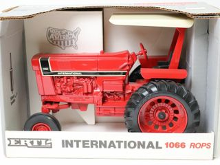 INTERNATIONAl 1066 ROPS TRACTOR 1991 SPECIAl EDITI