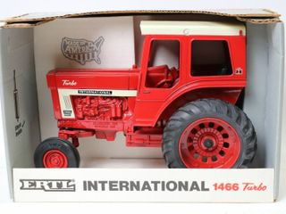 INTERNATIONAl 1466 TURBO TRACTOR 1990 SPECAIl