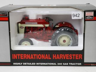 INTERNATIONAl 340 GAS TRACTOR HIGHlY DETAIlED