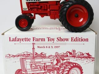 FARMAll 806 TRACTOR WITH DUAlS 199 7 lAFAYETTE FAR