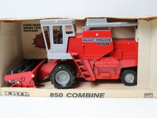 MASSEY FERGUSON 850 COMBINE WITH GRAIN AND CORN