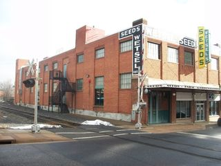 Commercial Auction : Downtown Harrisonburg VA ( 3 story building