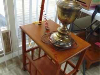 End table w  lamp 14 x 20 x 53