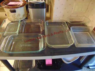6 various pyrex pans