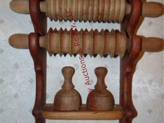 4pcs   wood shelf consisting of rolling pins