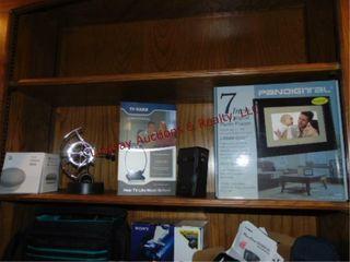 7  lCD digital photo frame  google home mini