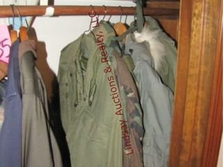Group of men s military jackets   3 military bags