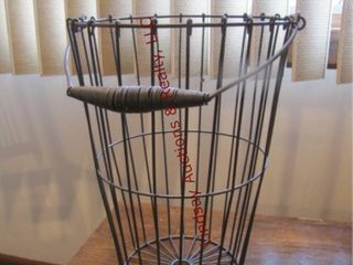 Wire basket for produce