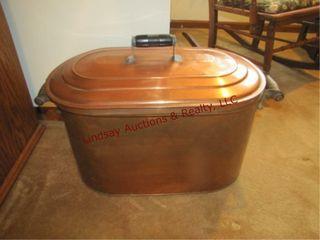 Copper wash tub w  lid
