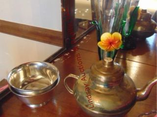 Approx 16 pcs glassware  silver plate   others