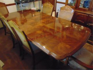 Wood dining table w  2 leaves   6 chairs  84 x 40