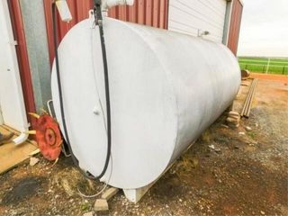 1 500 gallon diesel tank with electric pump