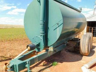 Shop built 3200 gallon liquid manure spreader