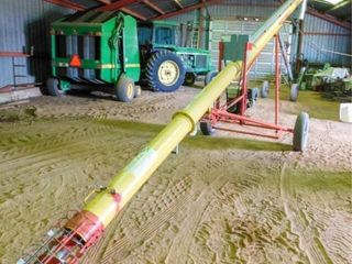 Westfield WR 80 31 gas powered grain auger