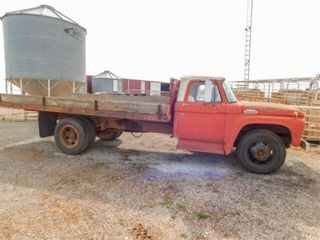 1964 Ford 2 ton truck with 16IJ steel bed