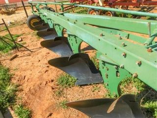 John Deere 1350 1450 6 bottom plow