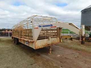 2004 Gooseneck 26 x7  cage top stock trailer