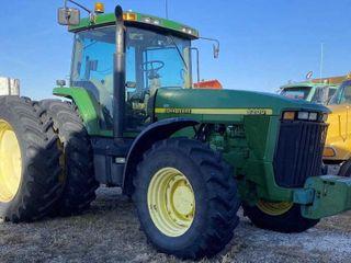 1999 John Deere 8200 MFWD Tractor