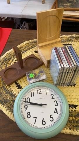 CDS  PINS  WOODEN HOlDERS AND ClOCK