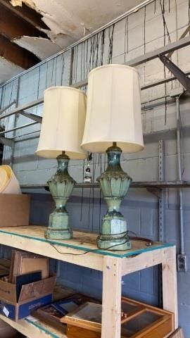 2 BEAUTIFUl lAMPS FROM FHE PAST