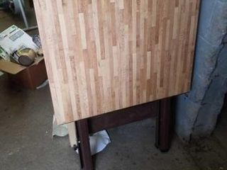 30 X24  WOOD SMAll TABlE