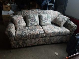 MUlTI COlORED SOFA BED  WITH FOUR DECORATIVE