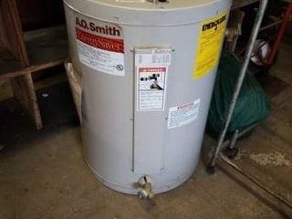 A O SMITH ENERGY SAVER ElECTRIC HOT WATER HEATER