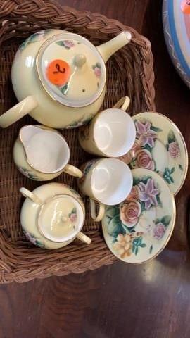 lOVE BElIEVES GENUINE BONE CHINA TEA SET