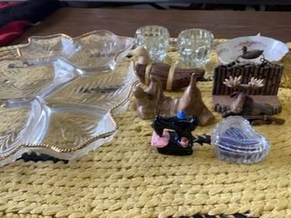 lARGE GlASS lEAF SNACK TRAY   FIGURINES GOlD