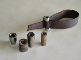 Grp  of Assorted Snap On Strap Wrench  Sockets
