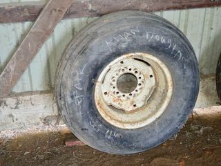 11l 15 Tire on Rim As New