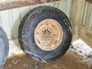 9 5l 15 Tire on Rim As New