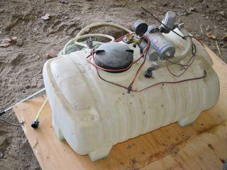 24 Ga Sprayer Tank  8  boom  12v pump