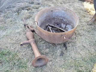 30  Cast Kettle with Handle and Cistern Pump