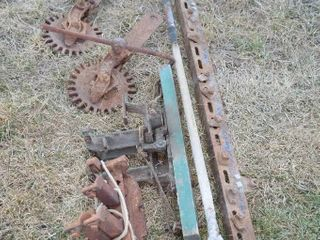 Grp  of Vintage Items   Fence Stretcher