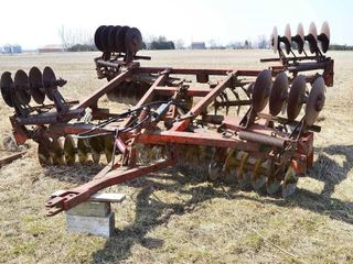 18ft Pull Type Disc with Hyd  lift Axle