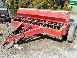 International 510  16 Run Grain Drill