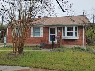 4 BR, 2 BA BRICK RANCHER W/ FENCED REAR YARD