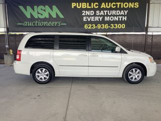 2010 Chrysler Town And Country Minivan