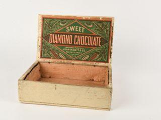 VINTAGE SWEET DIAMOND CHOCOlATE WOODEN BOX