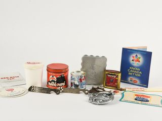 GROUPING OF VINTAGE GENERAl STORE COllECTIBlES