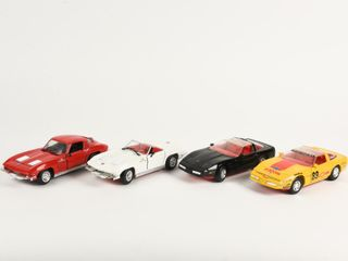 lOT OF 4 REVEll CHEVROlET CORVETTE CARS   NO BOXES