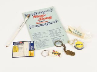GROUPING OF SUNOCO OIl ADVERTISING COllECTIBlES