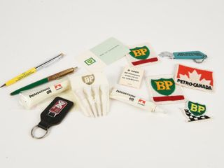 GROUPING OF BP   PETRO CANADA OIl COllECTIBlES