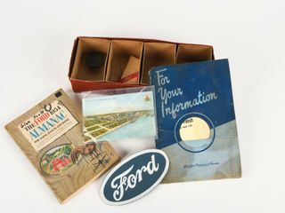 lOT OF 8 VINTAGE FORD COllECTIBlES